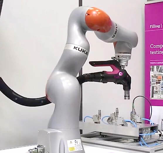 E-COBOT-integration-kuka-iiwa-robot-collaboratif-FIVE