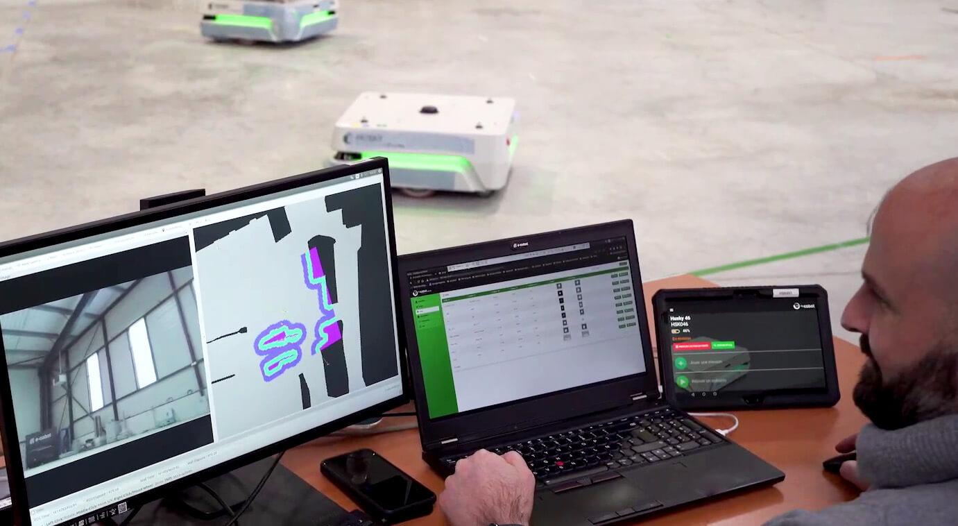 e-cobot-realise-des-robots-mobiles